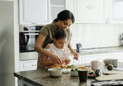 How to Balance Nutrition as a Busy Mom